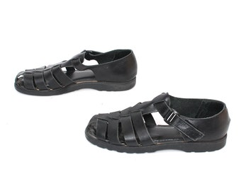 size 7 FISHERMAN black leather 90s T-STRAP buckle strappy sandals