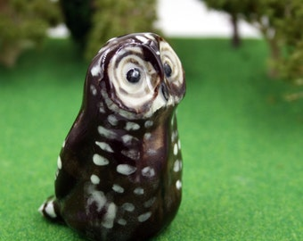 Spotted owl figurine
