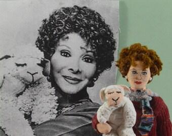 Shari Lewis Puppeteer Ventriloquist Children's Television Lamb Puppet Doll Art Miniature