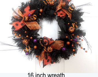 Small Halloween Wreath, Deco mesh Halloween Wreath, Pumpkins, Black and Orange Halloween Wreath, Halloween Decorations,door hanger