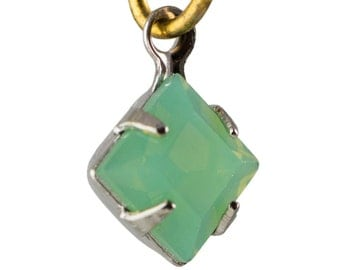 Green Opal Faceted Square Glass Stones 1 Loop Silver Plated Setting 6mm (8) squ013PP