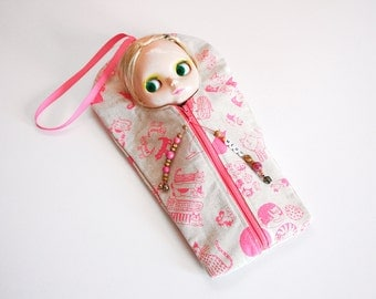 """The Original Blythe Sleepsack from PINKKIS: """"MEOW"""" Protective Carrying Pouch Featuring Cute Cat Pattern"""