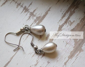 Classic Dangle earrings,vintage glass pearl teardrop, antique bronze gold wedding special occassion gift