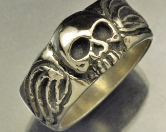 Sterling Silver Memento Mori Skull Ring