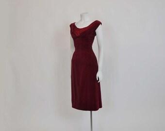 50s dress / Stunning Bust Line Vintage 1950s Wiggle Satin Velvet Dress