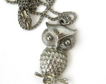 1970s Vintage Owl Pendant Necklace - Silver Metal Woodlands Owl