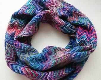 Missoni cowl, Hand knit striped zigzag cowl a la Missoni, multicolour scarf