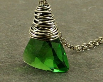 Crystal Necklace, Green Crystal Necklace, Xilion Pendant Necklace, Wire Wrap Jewelry, Holiday Jewelry Gifts for Her