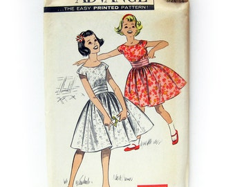1950s Vintage Sewing Pattern - Girls Rockabilly Party Dress - Advance 8933 Vintage Sewing Pattern / UNCUT FF / Size 10 or 14