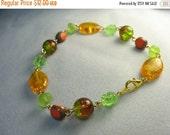 Green orange glass bracelet ...brightly beaded all glass chain ... fruit bowl