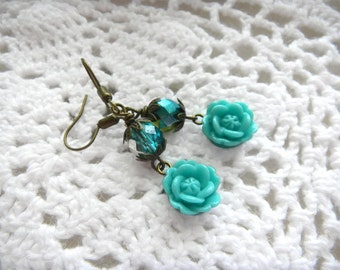 Czech Beads, Blue Flower Earrings, Blooming Summer Flower Earrings,  Turquoise Green Beads, Faceted Beads