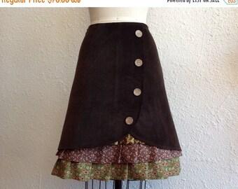 SALE Renee ruffle front skirt Sz 8