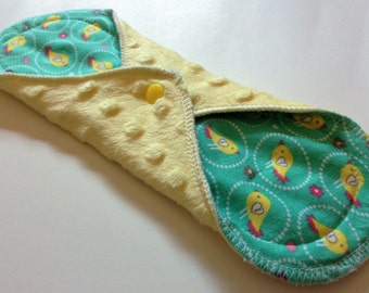 10 Inch Winged Minky Topped Cloth Pantiliner - Yellow Ducks