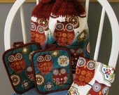 2 Crocheted Hanging Kitchen Towels with Pot Holders and Dishcloth - Retro Owls