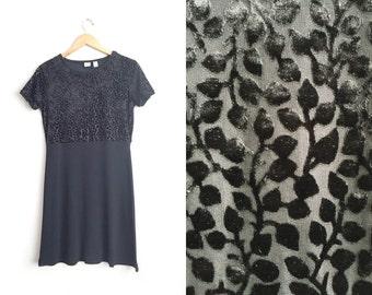 Size S // VELVET VINES DRESS // Black - Mixed Fabric - Burnout - Grunge - Short Sleeve Babydoll Dress - Vintage '90s Gap.