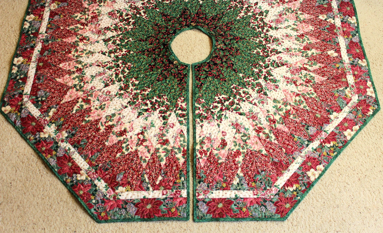 Christmas tree skirt quilt victorian style diamonds all