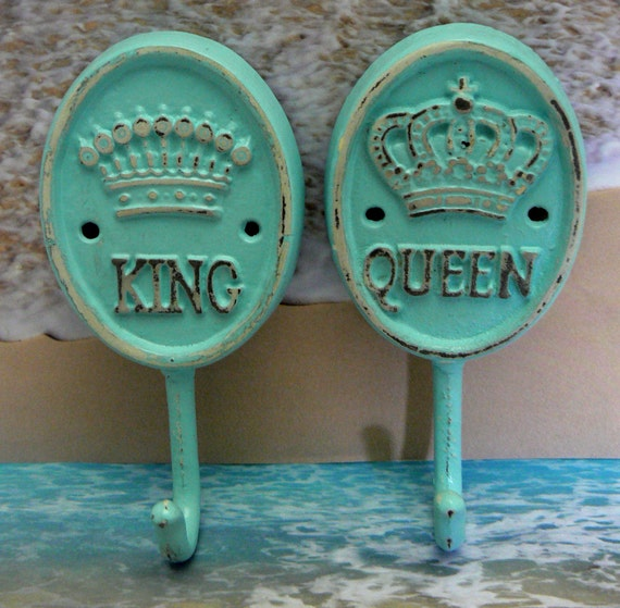 King queen crown pair his her cast iron by for Queen bathroom decor