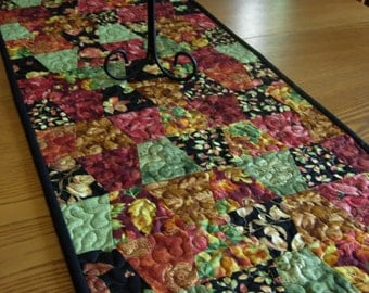 Falling Leaves Thimbles Table Runner