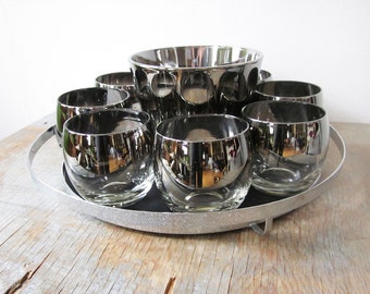 silver roly poly glasses, mid century cocktail set, dorothy thorpe style 1960s barware, ice bucket serving tray