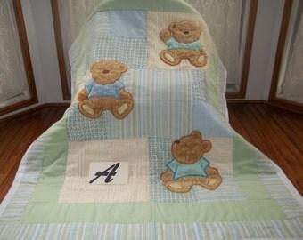 Q-1615  Little Bear and Butterflies Baby Quilt