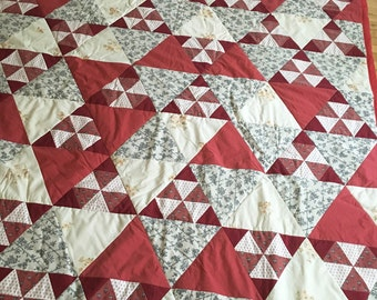 Quilt 90 x 70 in Red White Triangle Floral patchwork