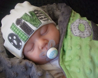3 piece coming home outfit - personalized bodysuit, beanie cap, and minky blanket in apple green & gray by Tried and True Designs on Etsy