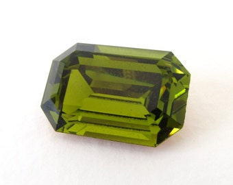 Vintage Swarovski Crystal Rhinestone Olivine Green Octagon Jewel 24x16mm swa0758 (1)