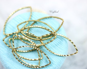 Ribbed Leaf Shape Brass Rings Link Connector - 23x12mm - 50 .