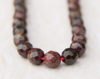 GARNET Smooth Polished Natural Faceted Round Beads 4mm, 4mm round facet garnet beads, garnet beads, faceted garnet beads, 4mm garnet