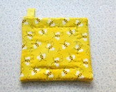 bumble bee insulated potholder