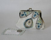Coin purse - Change Purse - Cream Flower Coin Purse - Cream Change Purse - Kiss Lock Coin Purse