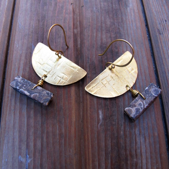 W Y O M I N G - Agate and Turritella Earrings - Stone and Brass Half Circle Earrings - Ooak Artisan Tangleweeds Jewelry