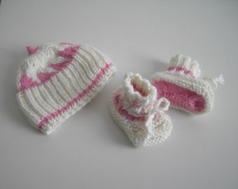 sale - 25 % off - baby girl hat and booties set in cream white and pink for new baby