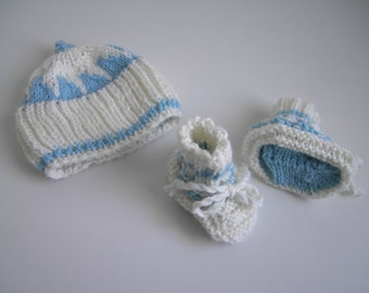 sale - 25 % off - baby boy hat and booties set in cream white and light blue for new baby