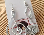 "CUSTOM: ""MUSIC to my EARS"". Hammered aluminum earrings"