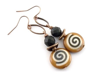 Tan White and Black Swirl Earrings - Antique Copper Earrings - Round Earrings - Tan Earrings - Black Earrings - Swirl Earrings - Wires -E112