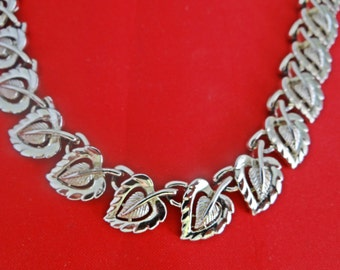 """Vintage CORO signed  16.5"""" gold tone necklace in great condition,  appears unworn"""