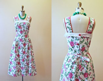 Vintage 1940s Dress - 40s Pinafore Dress - Pink Red Roses Cotton Sundress XS S - Maybelle
