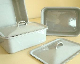 Vintage grey enamelware pans, set 3 refrigerator dishes, enameled steel, baking dish, diner style, mid-century kitchen, 5 pc. granitewear