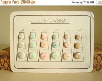 Antique button salesman sample card, 1920s authentic European vintage buttons, 18 celluloid buttons, marbleized finish in pastel colors