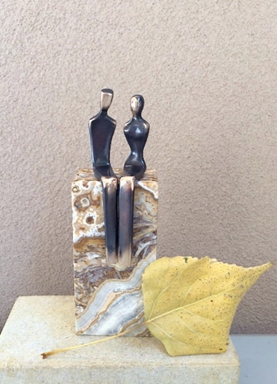 """Cast Bronze Lovers: romantic couple that says """"I Love you"""""""