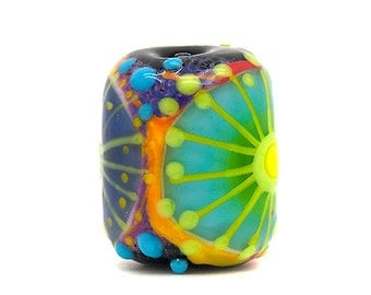 Boh Hippie // Art Glass //  4 mm big hole bead // 1 Lampwork bead in multicolor including detailed stringer work