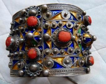Antique  Berber Coral and Silver Enamel Bracelet, Beni Yenni, Kabylia,   135 g, small wrist !
