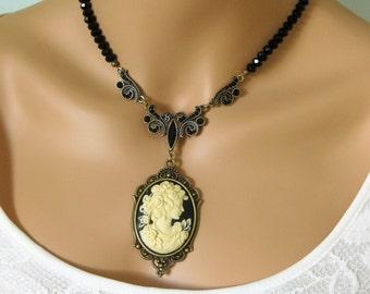 Cameo Necklace, Victorian Necklace, Beaded Necklaces, Cameo Necklaces, Black Necklace, Bead Necklace, Cameos, Cameo, Cameo Jewelry, SN001