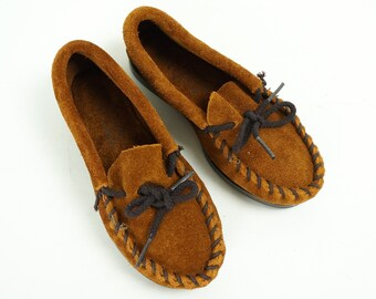 Vintage 1980s Childs Size 10 Suede Minnetonka Moccasins NOS