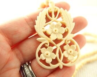 Carved Bone Flower Necklace - Vintage