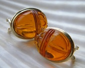 14k yellow gold and genuine honey amber carved scarab earrings - vintage jewelry