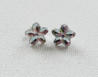 CLEARANCE - Clear Flower Stud Earrings