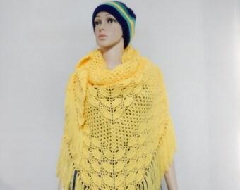 Crochet shawl in yellow