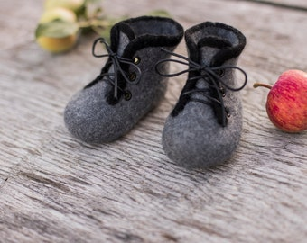 Baby shoes felted boots boys infant baby booties newborn gift baby shower day gift laced shoes grey boots wool shoes girls boots black lace